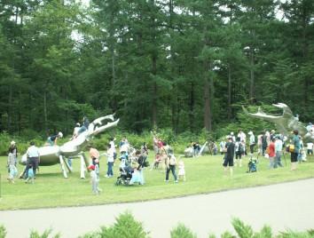 ステンレスの巨大昆虫彫刻展(2009年)